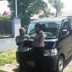 Foto Penyerahan Unit 10 Sales Marketing Mobil Dealer Daihatsu Tasikmalaya Lica