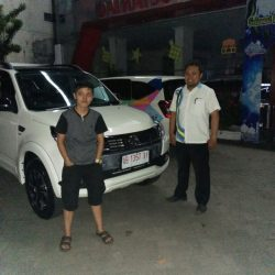 Foto Penyerahan Unit 11 Sales Marketing Mobil Dealer Daihatsu Purworejo Sigit