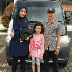 Foto Penyerahan Unit 3 Sales Marketing Mobil Dealer Daihatsu Senen WIWIN