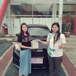 Foto Penyerahan Unit 4 Sales Marketing Mobil Dealer Daihatsu Kuningan Dika