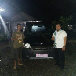 Foto Penyerahan Unit 4 Sales Marketing Mobil Dealer Daihatsu Purworejo Sigit