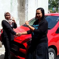 Foto Penyerahan Unit 5 Sales Marketing Mobil Dealer Daihatsu Tasikmalaya Lica