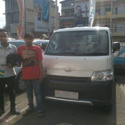 Foto Penyerahan Unit 6 Sales Marketing Mobil Dealer Daihatsu Jambi Rici