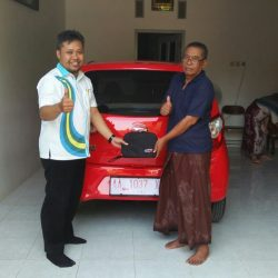 Foto Penyerahan Unit 6 Sales Marketing Mobil Dealer Daihatsu Purworejo Sigit