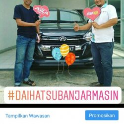 Foto Penyerahan Unit 6 Sales Marketing Mobil Dealer Daihatsu Zai