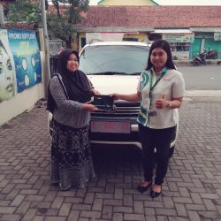 Foto Penyerahan Unit 7 Sales Marketing Mobil Dealer Daihatsu Kuningan Dika