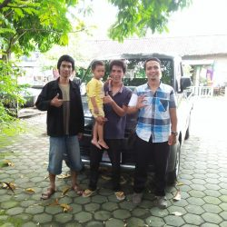 Foto Penyerahan Unit 7 Sales Marketing Mobil Dealer Daihatsu Mahfud