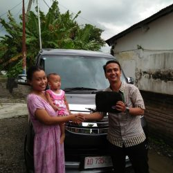 Foto Penyerahan Unit 8 Sales Marketing Mobil Dealer Daihatsu Mahfud