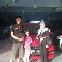 Foto Penyerahan Unit 8 Sales Marketing Mobil Dealer Daihatsu Tasikmalaya Lica