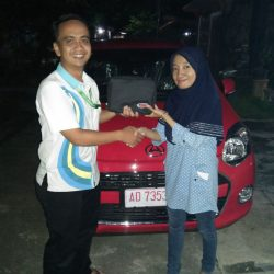 Foto Penyerahan Unit 9 Sales Marketing Mobil Dealer Daihatsu Mahfud