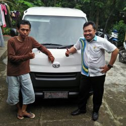 Foto Penyerahan Unit 9 Sales Marketing Mobil Dealer Daihatsu Purworejo Sigit