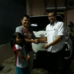 Foto Penyerahan Unit 12 Sales Marketing Mobil Dealer Daihatsu Tanjung Priok Yandri