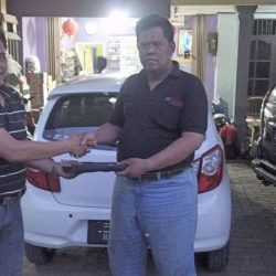 Foto Penyerahan Unit 3 Sales Marketing Mobil Dealer Daihatsu Tanjung Priok Yandri