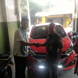 Foto Penyerahan Unit 3 Sales Marketing Mobil Dealer Daihatsu Tubagus