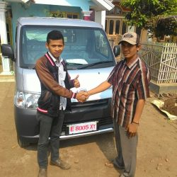 Foto-Penyerahan-Unit-1-Sales-Marketing-Mobil-Dealer-Daihatsu-Indramayu-Hendi
