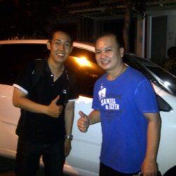 Foto Penyerahan Unit 1 Sales Marketing Mobil Dealer Daihatsu Jombang Stefanus