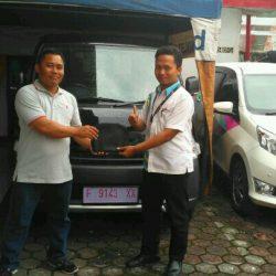 Foto Penyerahan Unit 1 Sales Marketing Mobil Dealer Daihatsu Sukabumi Baden