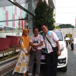 Foto Penyerahan Unit 10 Sales Marketing Mobil Dealer Daihatsu Nursah