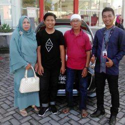 Foto Penyerahan Unit 10 Sales Marketing Mobil Dealer Daihatsu Penajam Idrus