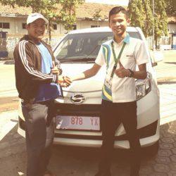 Foto Penyerahan Unit 12 Sales Marketing Mobil Dealer Daihatsu Indramayu Rohendi