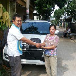 Foto Penyerahan Unit 12 Sales Marketing Mobil Dealer Daihatsu Lenteng Agung Ari