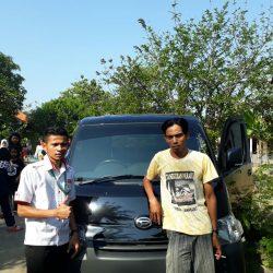 Foto Penyerahan Unit 13 Sales Marketing Mobil Dealer Daihatsu Indramayu Hendy