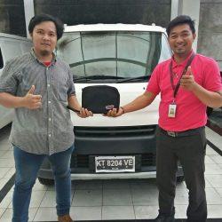 Foto Penyerahan Unit 13 Sales Marketing Mobil Dealer Daihatsu Penajam Idrus