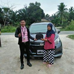 Foto Penyerahan Unit 15 Sales Marketing Mobil Dealer Daihatsu Penajam Idrus