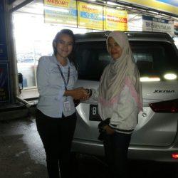 Foto-Penyerahan-Unit-18-Sales-Daihatsu-Cikarang-Atau-Marketing-Daihatsu-Cikarang-Ida-Rosidah