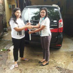 Foto-Penyerahan-Unit-19-Sales-Daihatsu-Cikarang-Atau-Marketing-Daihatsu-Cikarang-Ida-Rosidah