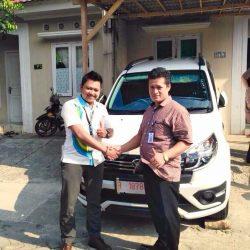 Foto Penyerahan Unit 2 Sales Marketing Mobil Dealer Daihatsu Purwokerto Angky