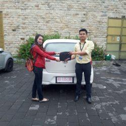 Foto Penyerahan Unit 4 Sales Marketing Mobil Dealer Daihatsu Haidar