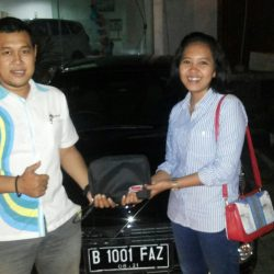 Foto Penyerahan Unit 4 Sales Marketing Mobil Dealer Daihatsu Lenteng Agung Ari