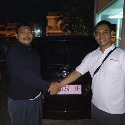 Foto Penyerahan Unit 4 Sales Marketing Mobil Dealer Daihatsu Nursah