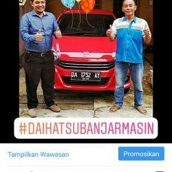 Foto Penyerahan Unit 4 Sales Marketing Mobil Dealer Daihatsu Zai