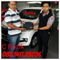Foto Penyerahan Unit 5 Sales Marketing Mobil Dealer Daihatsu Mojokerto Rozik