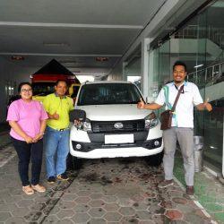Foto Penyerahan Unit 6 Sales Marketing Mobil Dealer Daihatsu Banjarnegara Agung