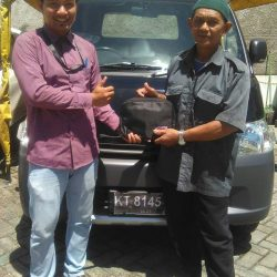 Foto Penyerahan Unit 6 Sales Marketing Mobil Dealer Daihatsu Penajam Idrus