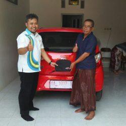 Foto Penyerahan Unit 6 Sales Marketing Mobil Dealer Daihatsu Purworejo Sigit