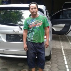 Foto Penyerahan Unit 7 Sales Marketing Mobil Dealer Daihatsu Purworejo Sigit