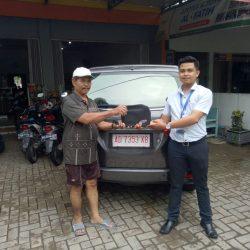 Foto Penyerahan Unit 8 Sales Marketing Mobil Dealer Daihatsu Haidar