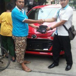 Foto Penyerahan Unit 8 Sales Marketing Mobil Dealer Daihatsu Lenteng Agung Ari