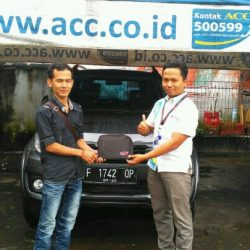 Foto Penyerahan Unit 8 Sales Marketing Mobil Dealer Daihatsu Sukabumi Baden