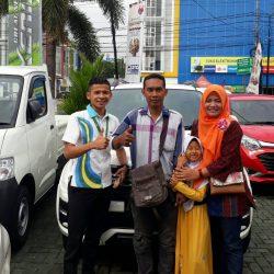 Foto Penyerahan Unit 9 Sales Marketing Mobil Dealer Daihatsu Indramayu Rohendi