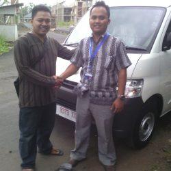 Foto Penyerahan Unit 9 Sales Marketing Mobil Dealer Daihatsu Pangandaran Feby