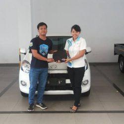 Foto Penyerahan Unit Sales Marketing Mobil Dealer Daihatsu Klaten Yuni (58)
