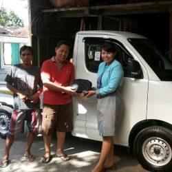 Foto Penyerahan Unit Sales Marketing Mobil Dealer Daihatsu Klaten Yuni (60)