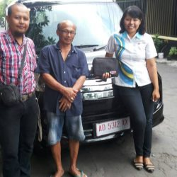 Foto Penyerahan Unit Sales Marketing Mobil Dealer Daihatsu Klaten Yuni (61)