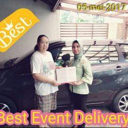 Foto Penyerahan Unit 1 Sales Marketing Mobil Dealer Daihatsu Ciledug Wiwin