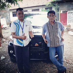 Foto Penyerahan Unit 14 Sales Marketing Mobil Dealer Daihatsu Tanjung Priok Yandri